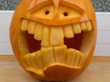 #Halloween #Kürbis der extra Klasse. Hilfreiche T…