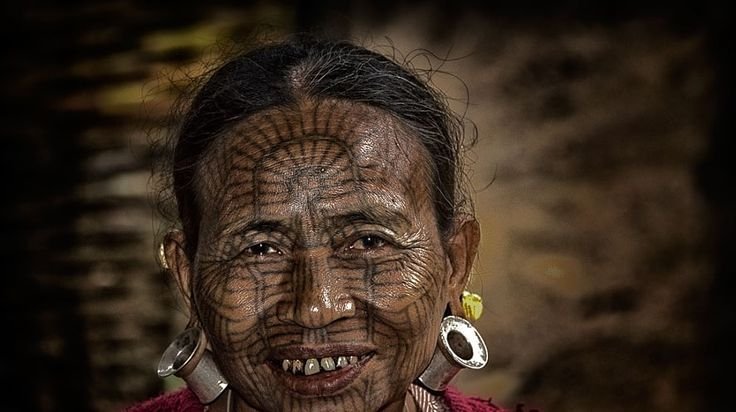 burmese tattoed woman in chin state #Cambodian_Private_Tours #CambodianPrivateTours #Vietnam_Tour_Pedia #Tattoed_Lady #TraditionalTatto #Tattoo_face #