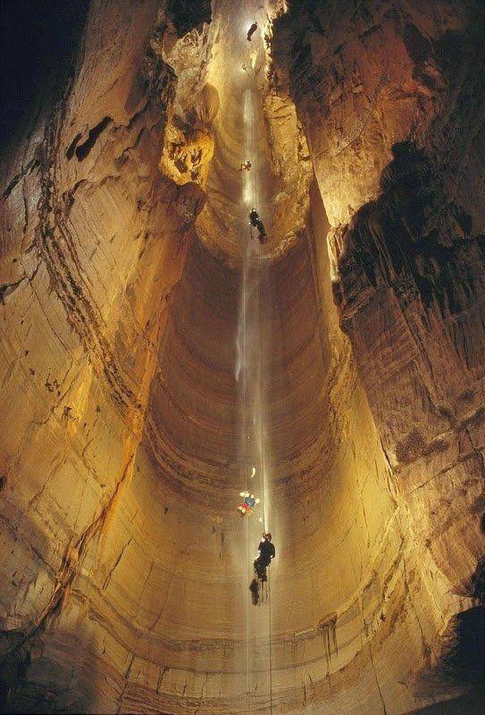 Krubera, Krubera-Voronja, grotte la plus profonde du monde, Georgie