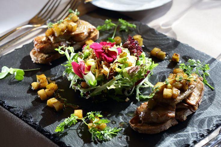 Шеф-повар ресторана Sabor de la Vida de Patrick Патрик Шонаве показывает, как приготовить утонченное блюдо с перепелкой и фуа-гра.