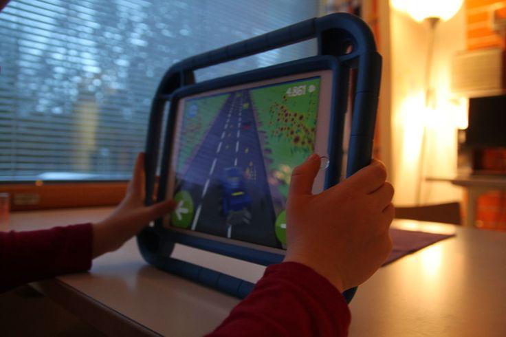Päiväkoti Sansinpellon lapsiryhmät saivat Kauniaisten kaupungilta tablet-tietokoneet ja toiveen hyödyntää niitä lapsiryhmän toiminnassa mahdollisimman monipuolisesti. Tästä saatiin päiväkodissa idea osallistua VKK-metron leikinkehittämishankkeeseen ja tutkia nimenomaan niiden käyttöä lasten leikkitoiminnassa.