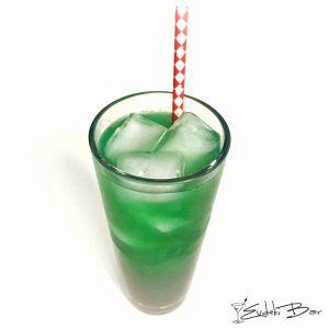 Jade Crystal citrus votka, Midori, Blue Curaçao şurubu, greyfurt suyu, limon suyu, Sprite, grenadine #cocktail #kokteyl #booze #love #drink #mixology #mixologist #delicious #yummy #jaded #tarif #recipe #alkol #içki #alcohol #midori #limon #votka