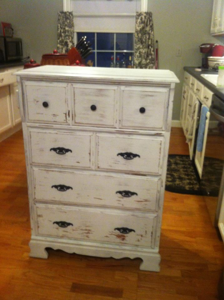 Dresser re-do! Going shabby sheek with more old furniture! Super easy project using spray paint and sand paper!