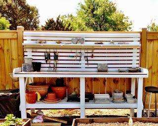 I ett litet hörn av Sorunda: Köksträdgård och planteringsbord