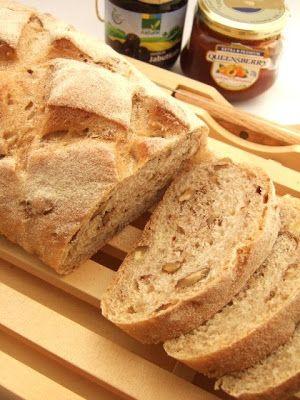 Pão integral de nozes