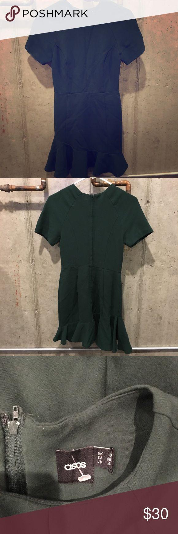 ASOS green work dress Dark green short sleeve dress with a flare on the bottom. ASOS Dresses Midi