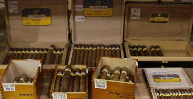 Obama levanta los límites a la importación de ron y puros cubanos