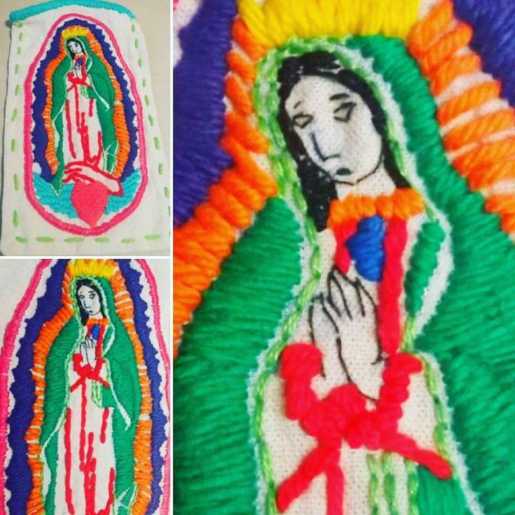 Funda para celular- Virgen de Guadalupe -Bordada a mano pedilo en www.facebook.com/LupitaBordados