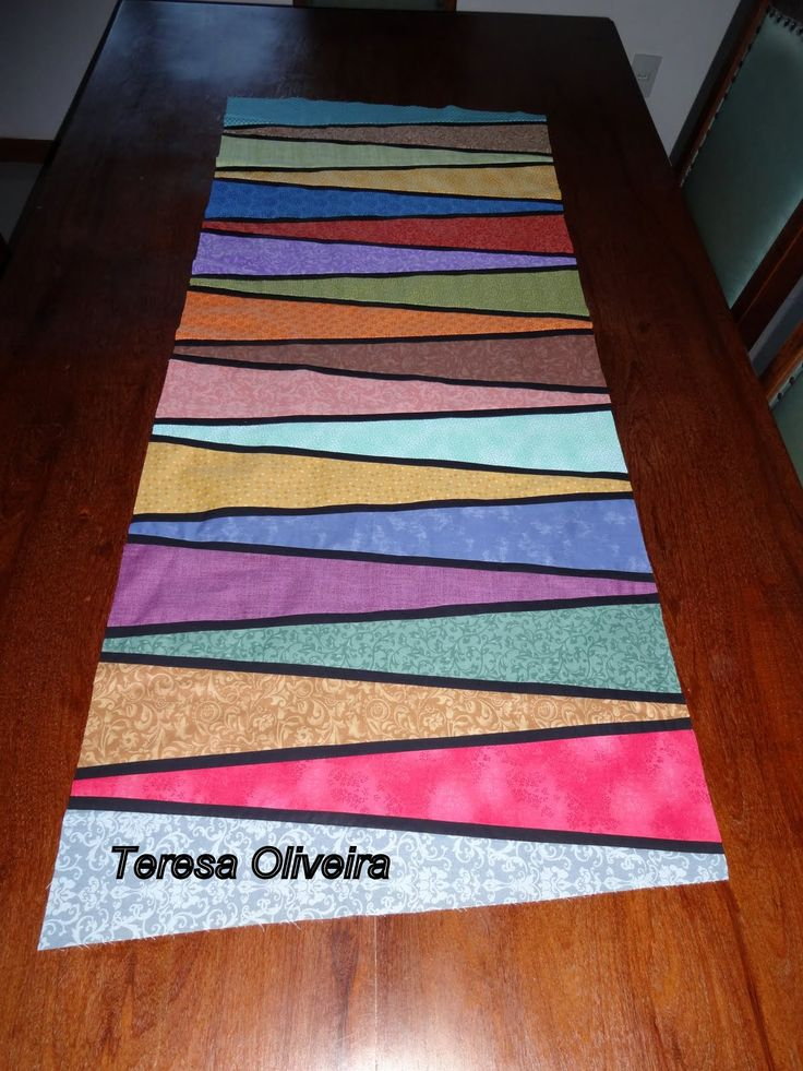 Quilt Patterns For Table Runners And Placemats : 151 best images about Quilting - Placemats & Table Runners on Pinterest Runners, Quilt and ...
