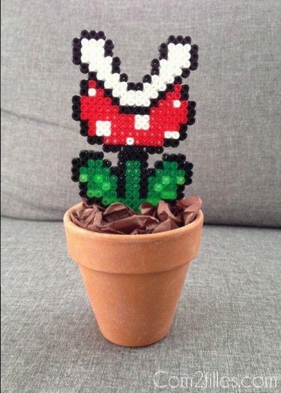 Vous aimez les plantes mais vous n'avez pas la main verte... Optez pour une fausse plante réalisée avec des perles à repasser... DIY à suivre !