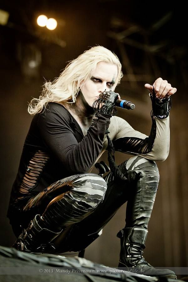 amé ese look!❤_❤  Chris Harms [Lord Of The Lost] · Mera Luna 2013 · Photo by Mandy Privenau