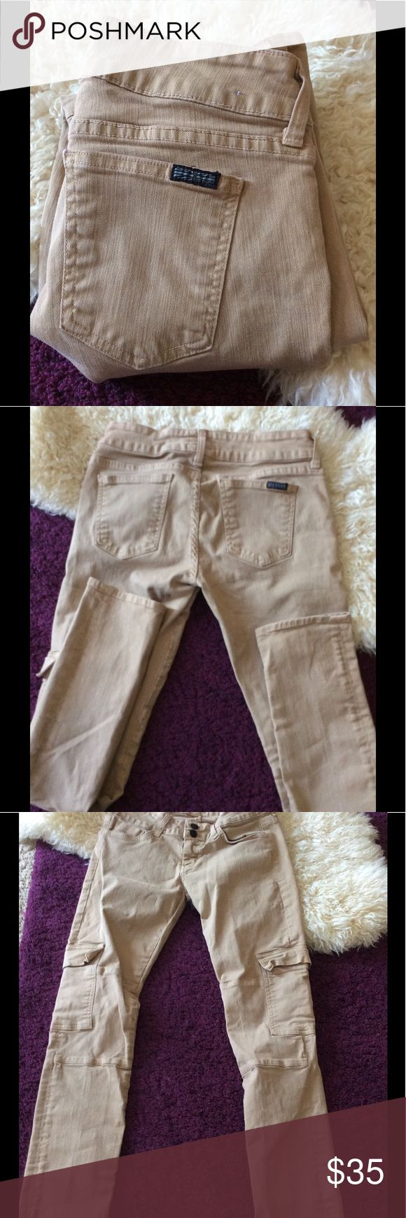 Hudson khaki cargo moto tan skinny jeans 28x29 Unique tan moto cargo skinny jeans from Hudson.tag reads Size 27 but measures 228x30 rise is 7.5 inches. Free of stains tears and holes! Hudson Jeans Jeans Skinny