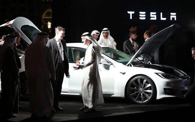 Dubai agrees to buy 200 Tesla vehicles as part of the city's self-driving taxi plan #Dubai #TeslaMotors #selfdrivingcars #technews