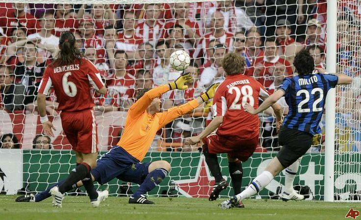 Champions league final 2010,  milito scores inters 1st vs Munich in Madrid.