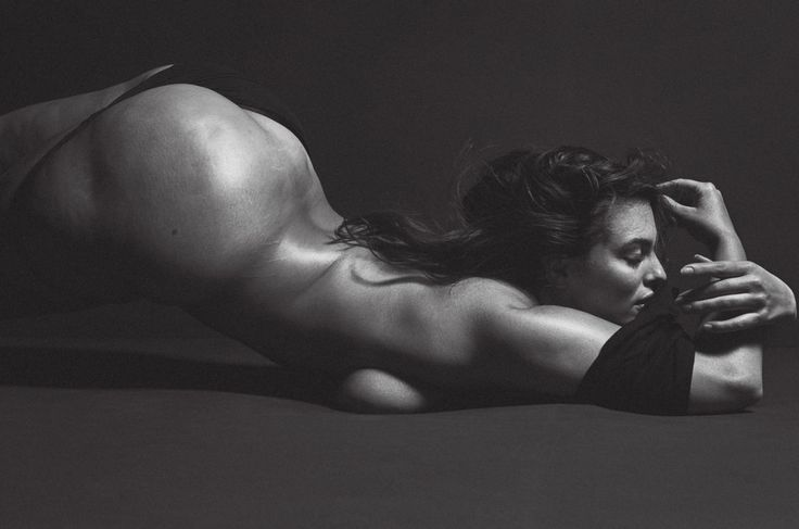 Ashley Graham Strips Down And Discusses The Important Lesson Her Mom Taught Her About Cellulite