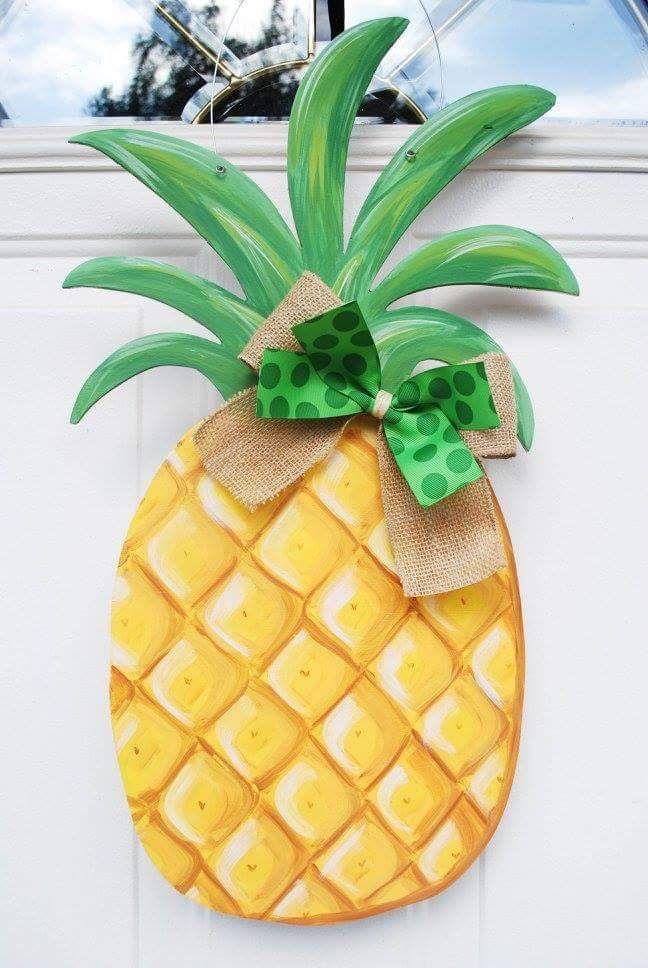 Summer Pineapple door hanger Find me at www.Facebook.com/LittlePinkHouseCreations