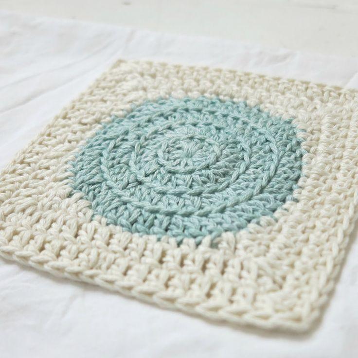 byHaafner, Dainty Dots Square: free crochet pattern