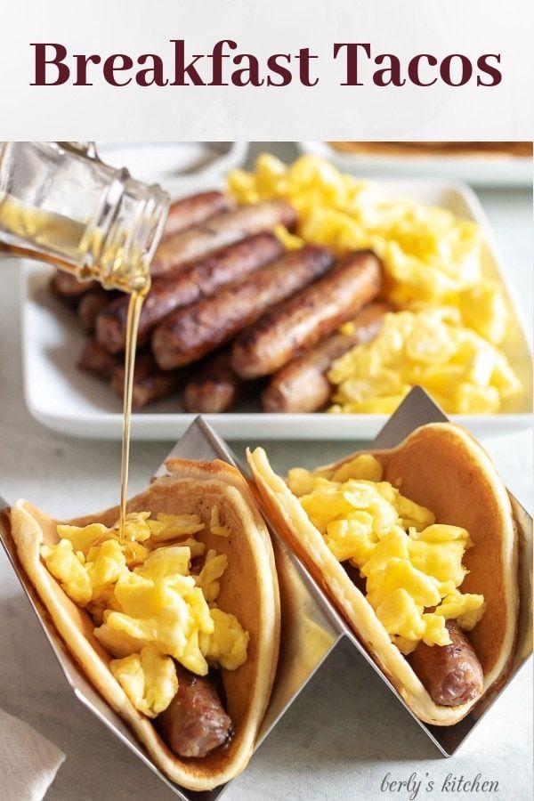 Pfannkuchen und Wurst Frühstück Tacos