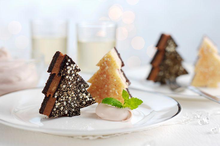Een origineel dessert als afsluiter van je kerstdiner? Deze gevulde kerstboomcakejes zien er niet alleen schattig uit, ze zijn heerlijk én zo gemaakt.