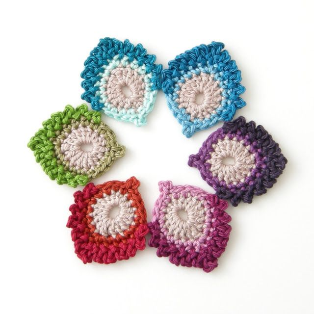 FREE Crochet Pattern: French Mini Peacock Feather featured in recent Sova-Enterpises.com Newsletter