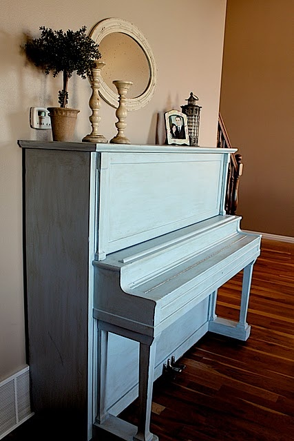 "painted piano - encouraging for the day I purchase my first real piano... which will likely be ""vintage"". This would be a great way to refinish one that's bad!"