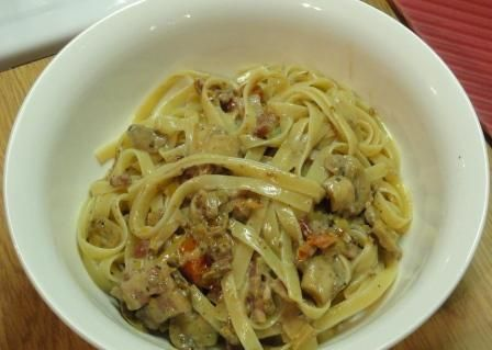 Right, you are reading the title and wondering why I have put down Italian Pasta when all pasta is Italian? I created a challenge and the ingredients that had to be used were leeks, sundried tomatoes, olives and basil.