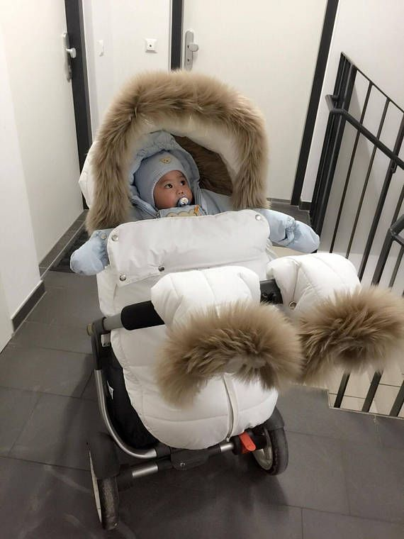 The Winter Kit With Rich Fur Fits Well With Many Original Stokke Colors And Stollers Poussettes De Bebe Materiel Bebe Bebe Swag