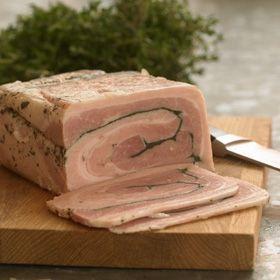 Hjemmelavet rullepølse, hvor du selv bestemmer krydderimængden og fedtindholdet, er godt at have på lager