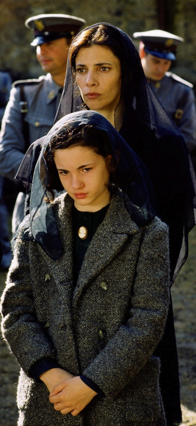 *Pan's Labyrinth (El laberinto del fauno) (2006) Ivana Baquero, Ariadna Gil -Director: Guillermo del Toro  -  Fascist Spain in the 40's.  Gorgeous jacket.