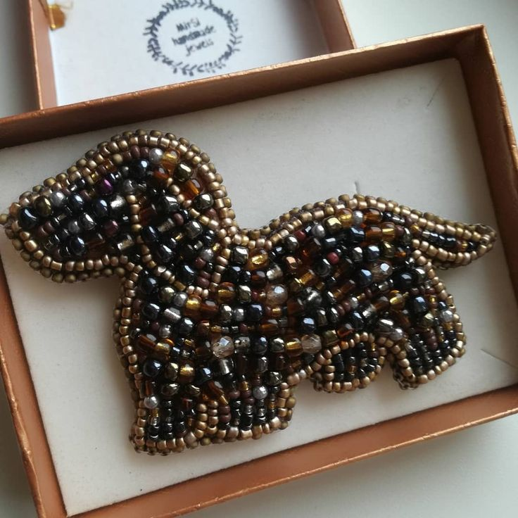 A dog made of seed beads