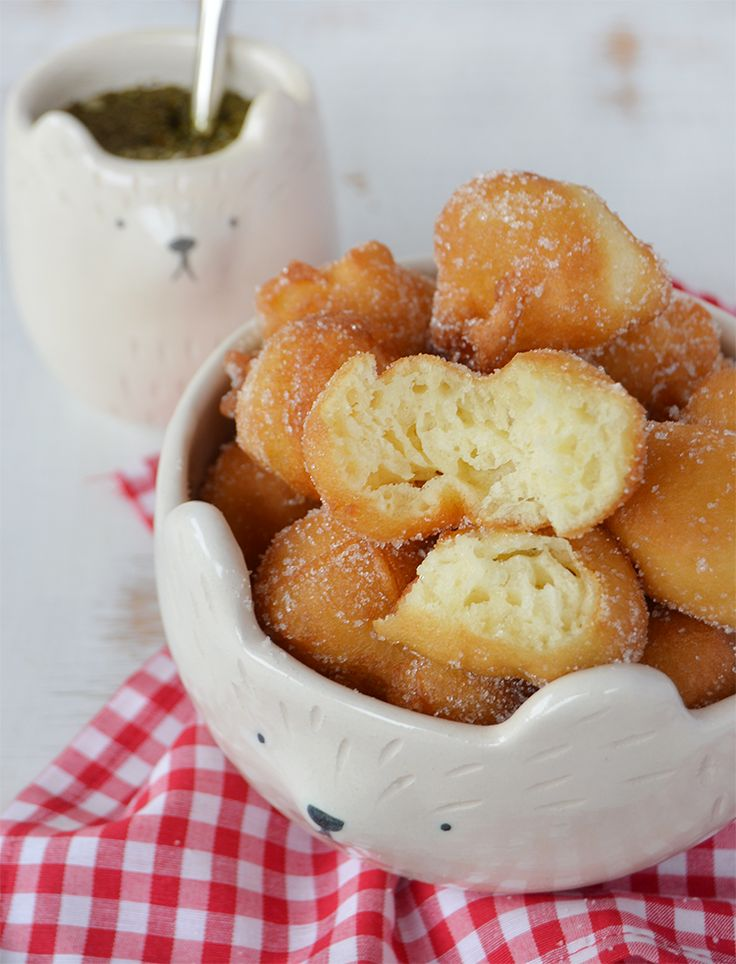 Buñuelos dulces Mexican Food Recipes, Sweet Recipes, Around The World Food, Baking And Pastry, Sans Gluten, Pretzel Bites, Oreo, Bakery, Food And Drink