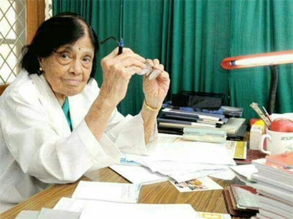 ⬆️⬆️⬆️ India's first lady Cardiologist   Dr.Sivaramakrishna Iyer Padmawati turned 100 yrs on 20th June 2017.   She is director of the National Heart Institute, Delhi and the founder president of the All India Heart Foundation.  At 100yrs of age, she still sees patients 12hrs a day...Defying age.   She loves swimming which she still indulges in every morning, 6 months of the year. On other days, she walks.   So  Ladies & gentlemen Be Happy...  Age is just a number.   Go for all your heart's…