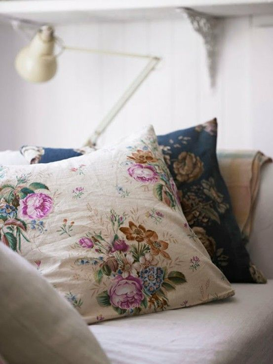 vintage floral pillows