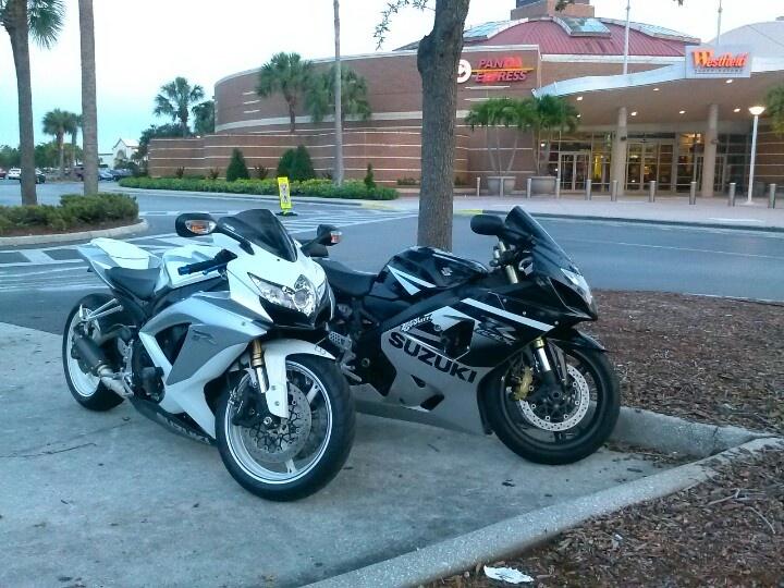 #Brandon mall #chilln #beautiful day #bike ridn # sisters bf bike #want one #getting one soon #my dream #beautiful