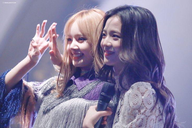 BLACKPINK    Lisa & Jisoo