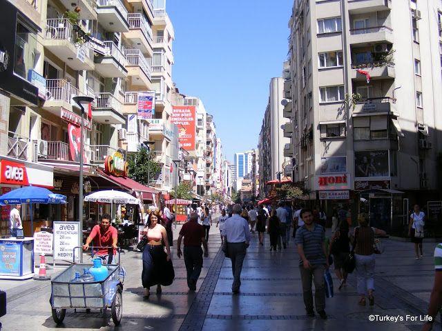 Kıbrıs Şehitler Caddesi, Alsancak, Izmir. http://www.turkeysforlife.com/2012/11/kibris-sehitler-caddesi-alsancak-izmir.html