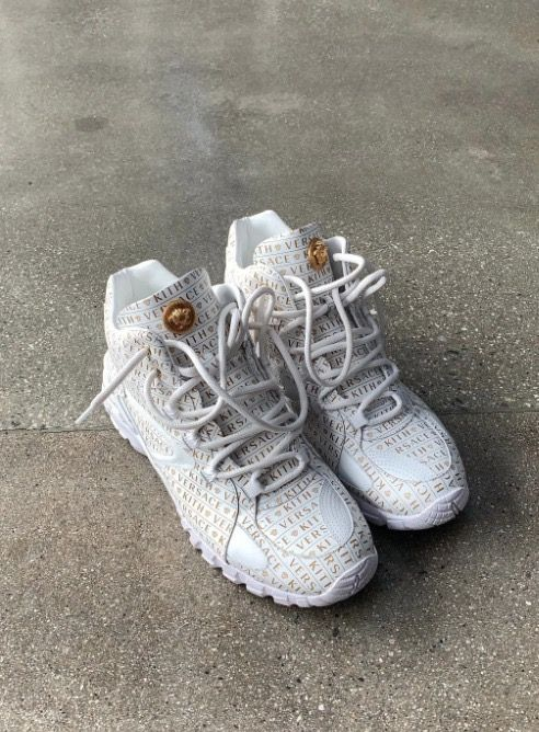 892491bd30b KITH x Versace | Kicks in 2019 | Sneakers, Sneakers nike, Nike huarache