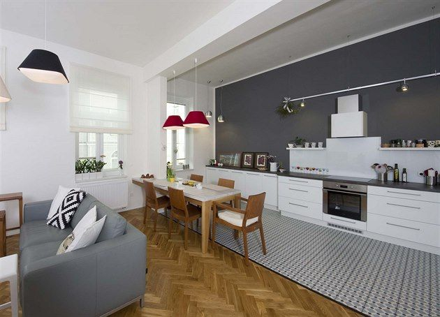 stylish 1st republic Czech apartmant with parquet floor