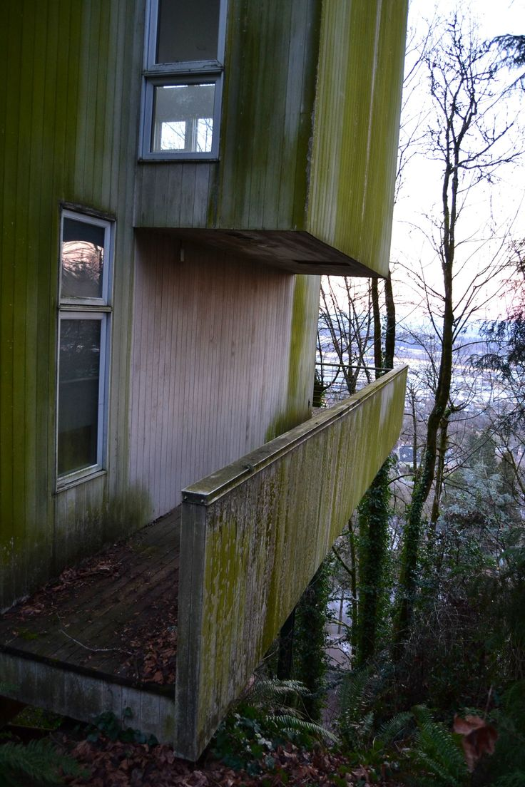 Abandoned mansion in Portland, Oregon.