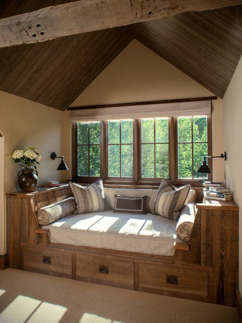 Rustikales Wohnzimmer  - Fensternischeneinbau. HOUZZ