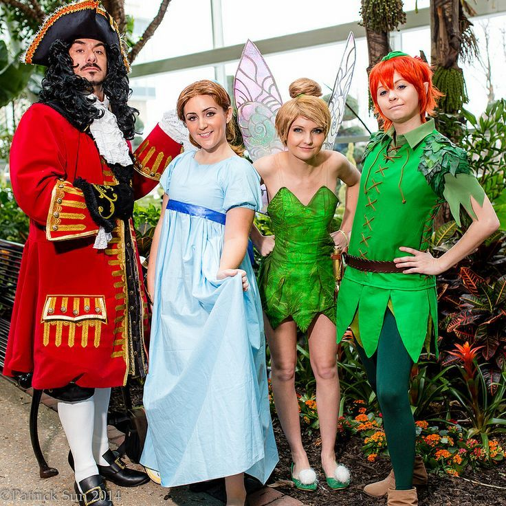 Hook, Wendy, Tinkerbell, Peter, Aligator, Mr. Smee