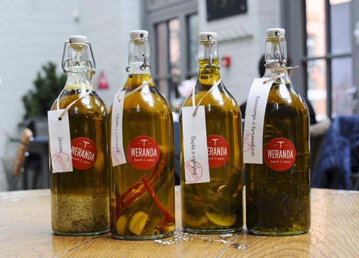 Nasze aromatyzowane oliwy :) robimy je sami! #chili #garlic #sezam #thyme