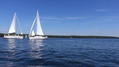 WWW Wiersze Wycieczki Wspomnienia: Haiku: Kołyszące się na wodzie