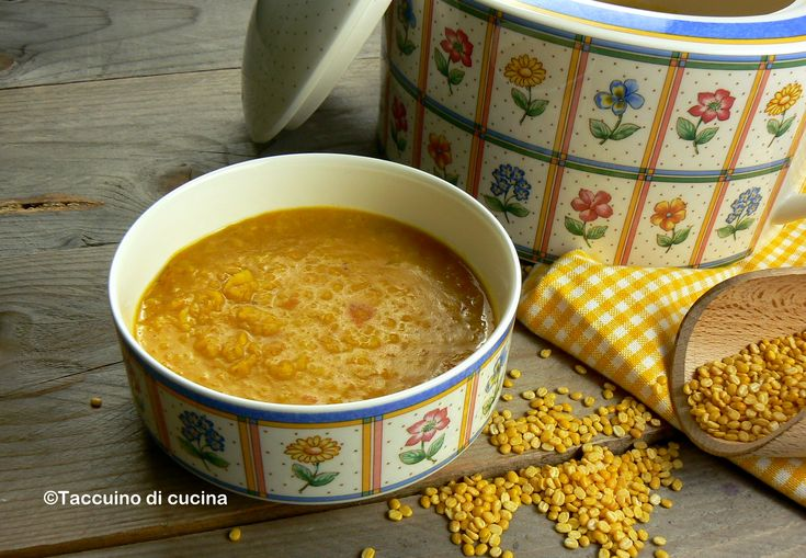 Zuppa speziata di lenticchie gialle (Mong Dhal)