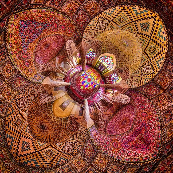 旅人を魅了する美しいイランのモスク「マスジェデ・ナスィーロル・モスク」 8枚目の画像
