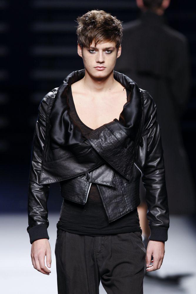 Joan Fabregas SS10 Collection Catwalk 080Barcelona Fashion Week