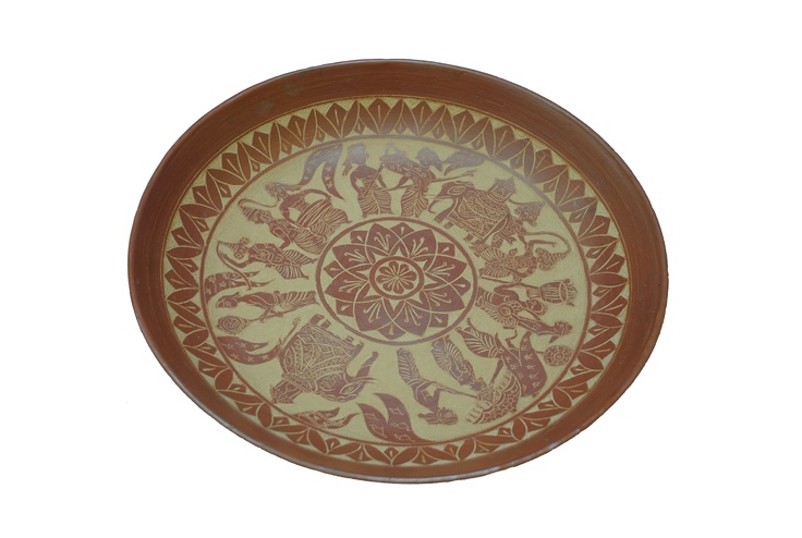 Fruit Bowl (Red Clay), Sri Lanka: The red clay and images on this bowl are traditional and religious themes illustrating the Sri Lankan identity. The International 2012 Panel of Experts commended the quality of this attractive red clay bowl whose design elements clearly evoke Sri Lanka's culture.