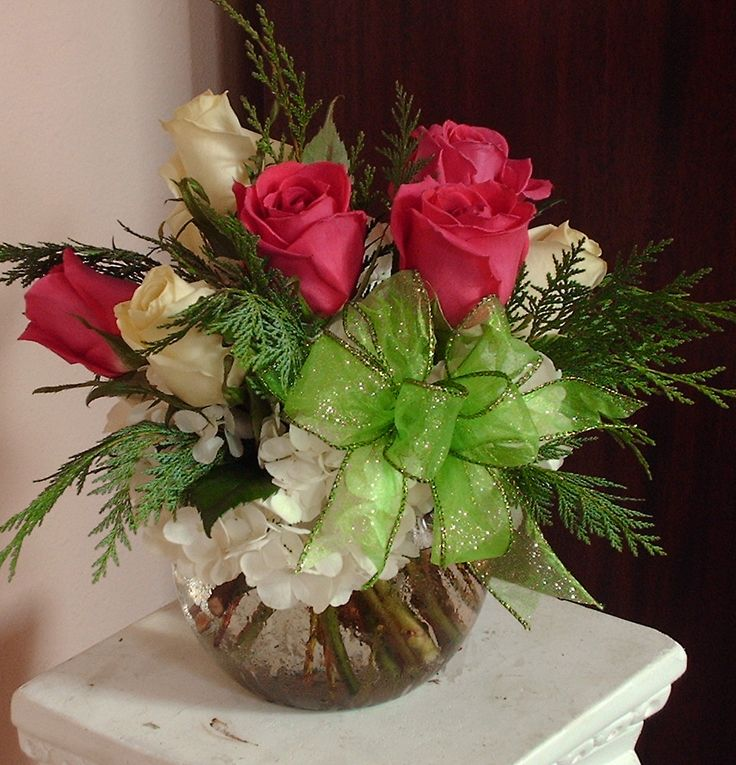 Holiday Centerpieces using bright green, hot pink, and white
