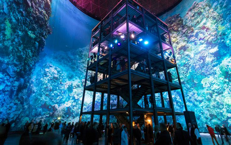 full-scale, 360° panorama of the great barrier reef surrounds visitors to the panometer