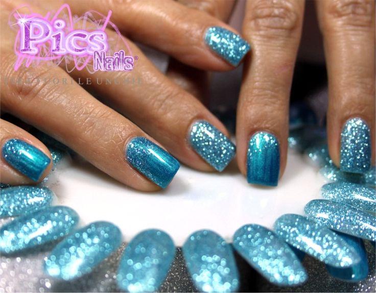 Smalto Semipermanente Celeste Pics Nails: l'eleganza e l'originalità garantita dai prodotti unghie a marchio Pics Nails in questo lavoro della nostra Master Giovanna Mary Fadda!
